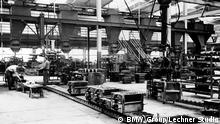 BMW - Historische Aufnahmen: Grau- und Sandkastengießerei im Werk München (Werk 1) 1952