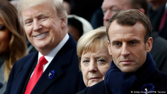 سال ۲۰۱۸- ترامپ، مرکل و مکرون در مراسمی به مناسبت پایان جنگ جهانی اول