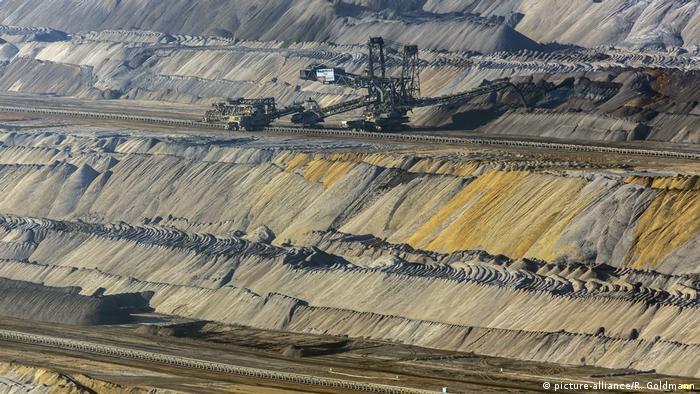 Bildergalerie Vom Tagebau zum Naherholungsgebiet (picture-alliance/R. Goldmann)