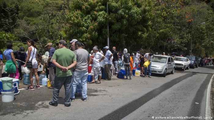 Venezuela | Stromausfall in Caracas (picture-alliance/dpa/NurPhoto/J. Lanza)