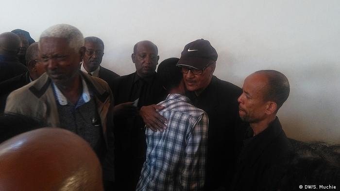 Äthiopien Vater des Boing 737 MAX-Kapitäns trauert in Addis Abeba