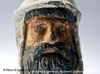 Κεφαλή Ελληνοβακτριανού ηγεμόνα - Εθνικό Μουσείο Ντουσανμπέ στο Ουζμπεκιστάν (2-3 αι. μ.Χ.)