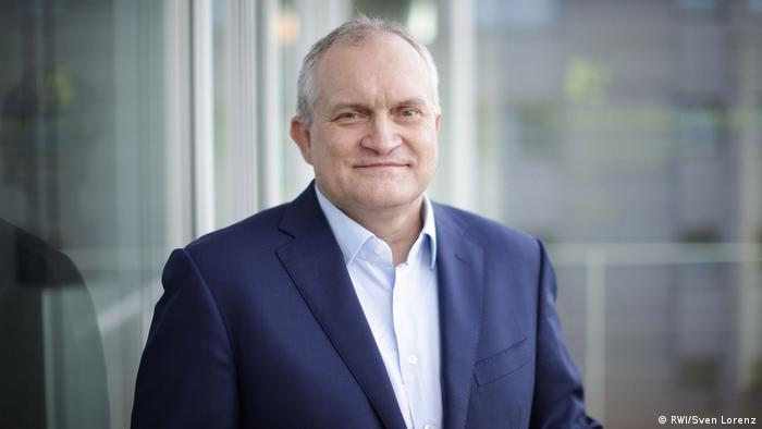 Prof. Dr. Christoph M. Schmidt (Sven Lorenz)