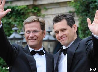 Гидо Вестервелле (слева) и Михаэль Мронц
