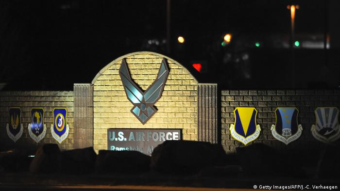 Ramstein Air Base bei Nacht