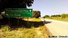 Mosambik Straßenverzweigung zwischen der Regionalstraße R762 zur Stadt Mocímboa da Praia und der Regionalstraße R764 zum Ort Olumbi