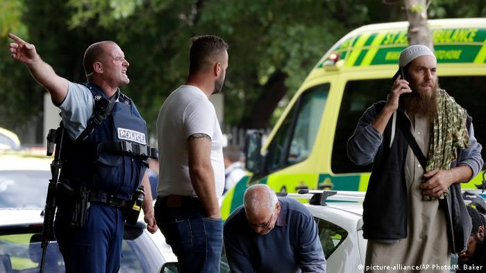 Neuseeland Schießerei in Moschee in Christchurch (picture-alliance/AP Photo/M. Baker)