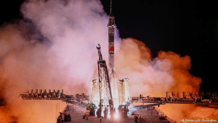 BdTD Kasachstan Start Sojus MS-12 der ISS   Kosmodrom Baikonur (Reuters/S. Zhumatov)