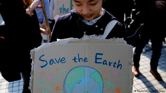 Fridays for future Schüler Schülerinnen Streik Schulstreik Klima Klimawandel Tokio