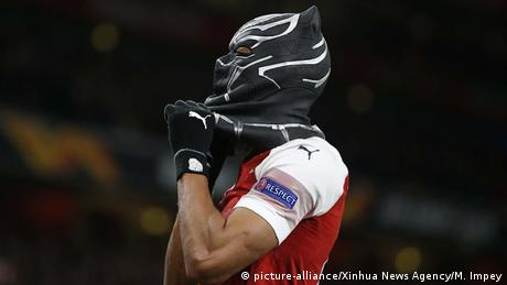 Pierre-Emerick Aubameyang als Black Panther (picture-alliance/Xinhua News Agency/M. Impey)