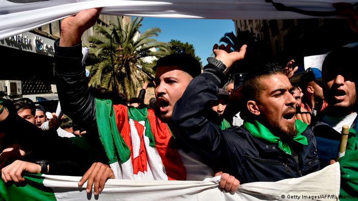 Algerien Algier - First Friday Rally (Getty Images/AFP/R. Kramdi)