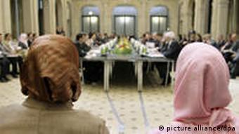 Musliminnen auf der Deutschen Islamkonferenz in Berlin (Foto: dpa)
