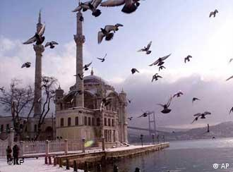 Mesquita de Ortakoy, em Istambul