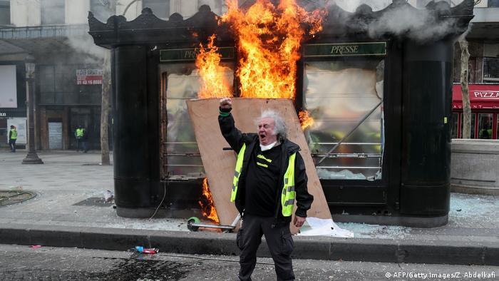 Paris Gelbwesten Protest Ausschreitungen Plünderungen