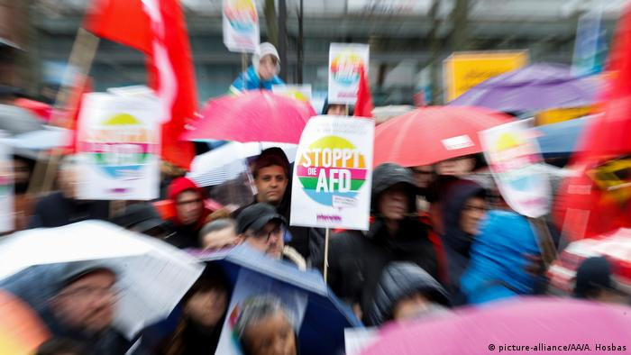 March against Racism in Berlin (picture-alliance/AA/A. Hosbas)