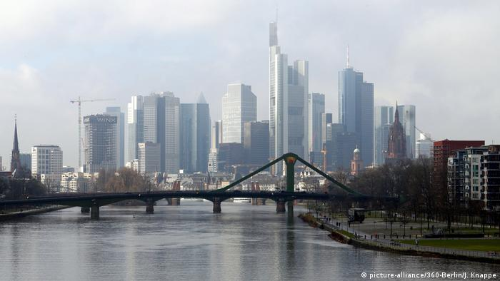 Frankfurt banking building skyline