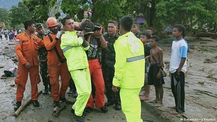 Indonesien Überflutungen bei Sentani (Basarnas via Reuters)