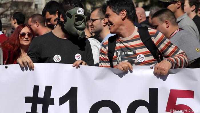 Protest gegen den serbischen Präsidenten Vucic in Belgrad (Reuters/M. Djurica)