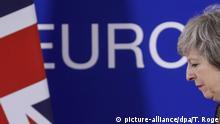ARCHIV - 14.12.2018, Belgien, Brüssel: Theresa May, Premierministerin von Großbritannien, nimmt an einer Pressekonferenz während eines EU-Gipfels teil. Foto: Thierry Roge/BELGA/dpa +++ dpa-Bildfunk +++ |