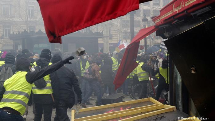На минулих вихідних у центрі Парижа стались сутички