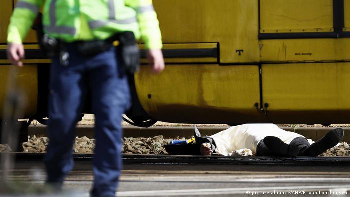 Verletzte nach Schießerei in Utrecht (picture-alliance/ANP/R. van Lonkhuijsen)