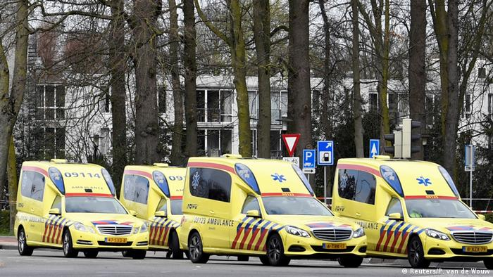 Ambulances in Utrecht (Reuters / P. van de Wouw)