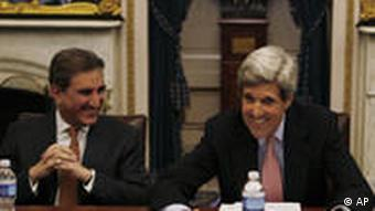 Shah Mahmood Qureshi und John Kerry