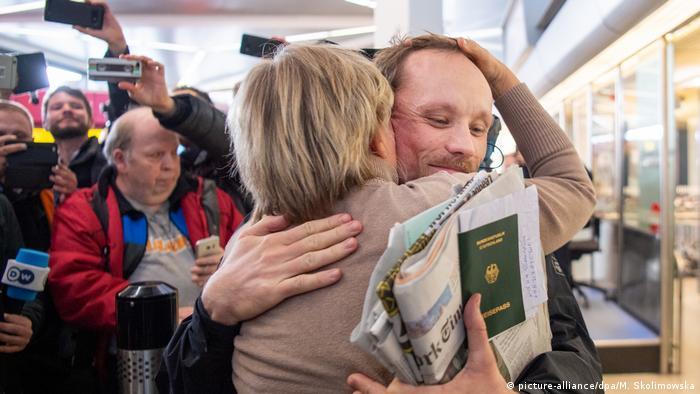 Berlin: Journalist Billy Six zurück in Deutschland