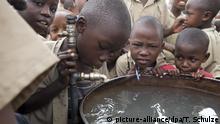 Trinkwassser an Schule in Burundi