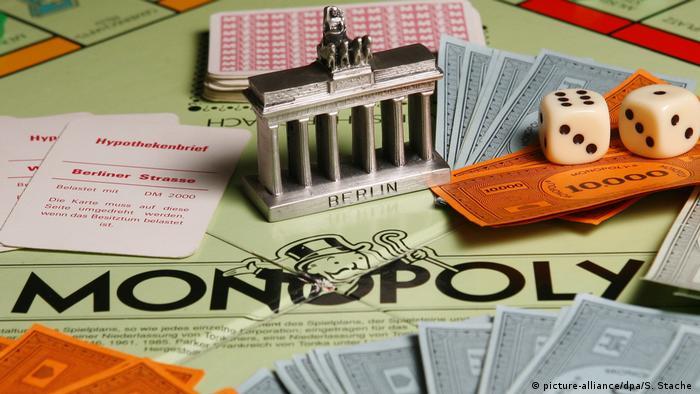 El juego de mesa Monopoly.