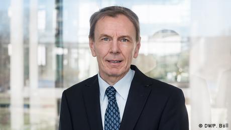 Prof. Dr. Christoph Schmidt dirige el Departamento de Educación y Formación Académica. (DW/P. Böll)