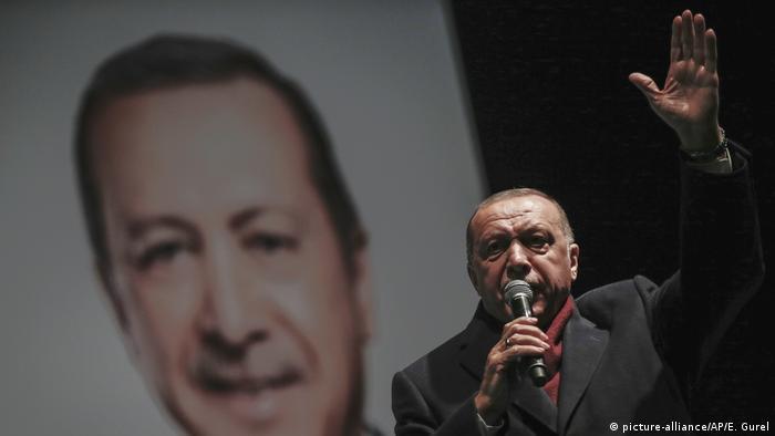 Türkei, Istanbul: Recep Tayyip Erdogan auf einer Wahlveranstaltung