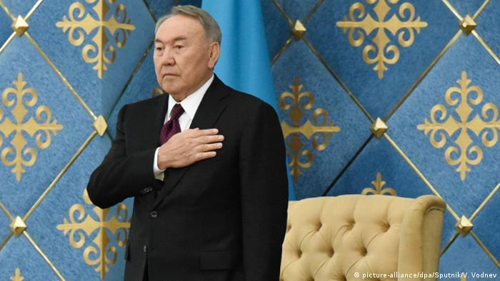 Kasachstan Astana - ehemaliger Präsident Nursultan Nazarbayev bei Vereidigung von Kassym-Jomart Tokayev