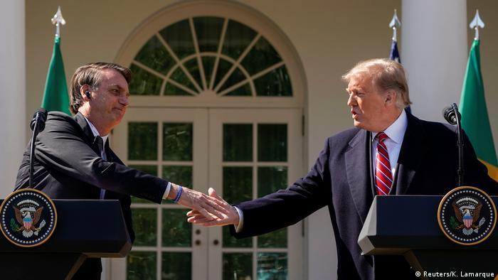 Trump e Bolsonaro no jardim da Casa Branca: nenhuma palavra sobre mudanças climáticas