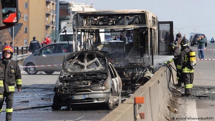 Italien   Mailand   Busfahrer Entführung & Brand (picture-alliance/dpa/ROPI)