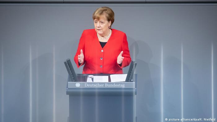 Angela Merkel em discurso no Parlamento: defesa de um desfecho rápido para acordo de livre-comércio