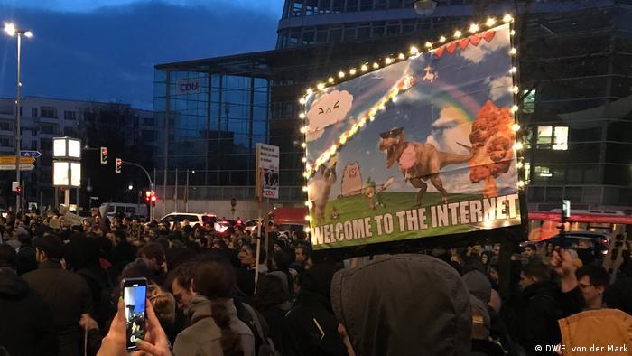 Demonstration zum Artikel 13 vor der CDU Zentrale