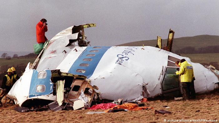 The wreckage of Pan Am Flight 103 in Lockerbie, Scotland in December 1988 (picture-alliance/dpa/AP/Keystone)