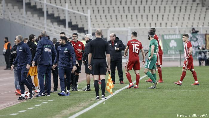 The stadium had to be cleared during the clash between Olympiacos and Panathinaikos