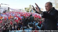 Recep Tayyip Erdogan in Kutahya (picture-alliance/AP Photo/Presidential Press Service)