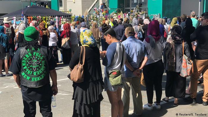 Neuseeland Menschenkette in Wellington (Reuters/S. Teodoro)