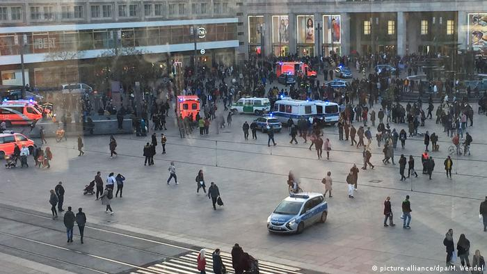 Mass brawl in Berlin's Alexanderplatz