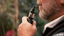 Fit und gesund - Sendung 05.04.2019 Titel:Rauchen: Wie gefährlich sind E-Zigaretten? Schlagworte: fit Copyright:NDR Bildbeschreibung: Still aus NDR-Beitrag: 'Rauchen: Wie gefährlich sind E-Zigaretten?'. Bitte nur im Zusammenhang mit diesem Beitrag verwenden!