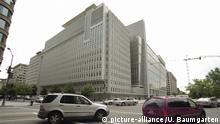 USA, WASHINGTON D.C., 08.05.2003, Zentrale der Weltbank. ,   Keine Weitergabe an Wiederverkäufer.