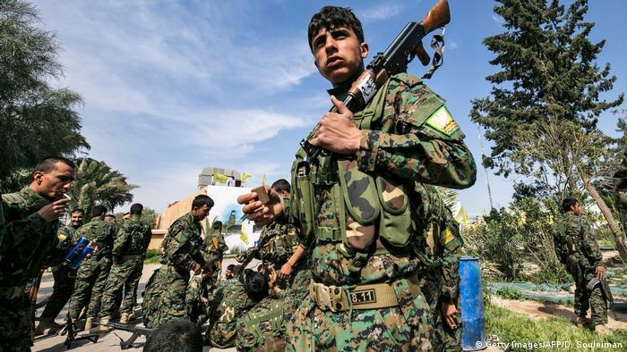 Syrien SDF Kämpfer in Baghouz (Getty Images/AFP/D. Souleiman)