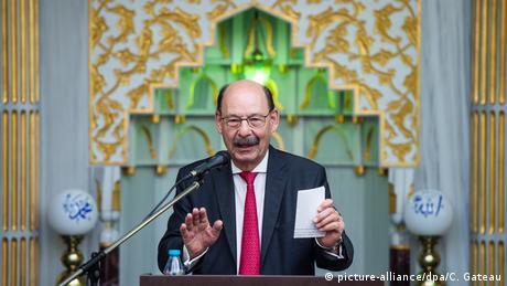 Deutschland Hannover | Freitagsgebet Ayasofya Moschee | Michael Fürst, Landesvorsitzender Jüdische Gemeinden (picture-alliance/dpa/C. Gateau)