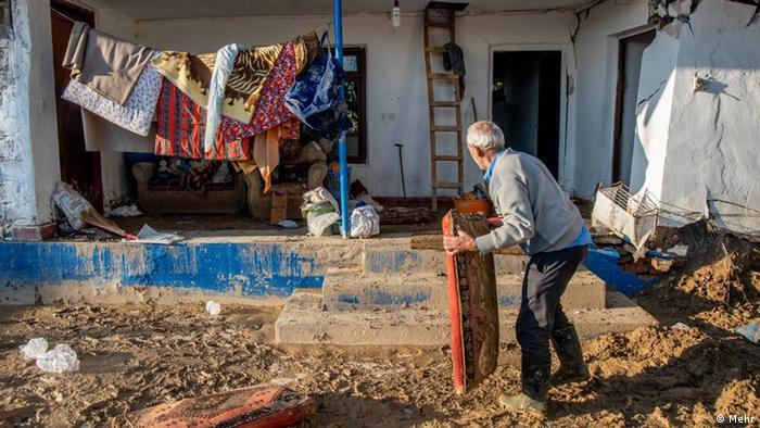 بارندگی بیسابقه در ۳۰ سال اخیر در مازندران هم خسارات سنگینی بر جای گذاشت. حدود ۵۰۰ خانوار شهرستان سیمرغ مجبور به ترک خانههای خود شدند. شش هزار و ۲۰۰ واحد مسکونی روستایی و شهری آسیب دیدهاند. همچنین آسیب به تاسیسات آب آشامیدنی ۲۶۵ روستا با حدود ۶۰ هزار نفر جمعیت و تخریت ۶۶ دهنه پل بزرگ و کوچک، به همراه قطع برق و گاز از دیگر آسیبهای این سیل هستند.