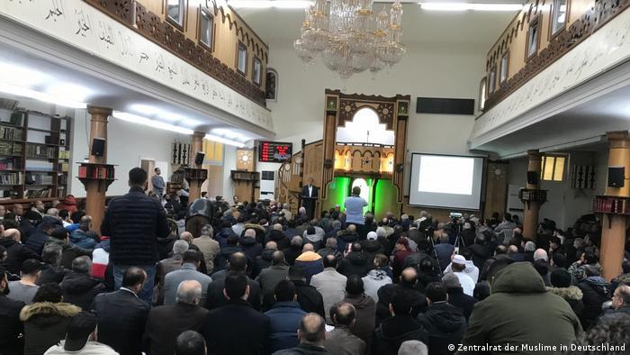 Deutschland Berlin | Freitagsgebet in der Dar-Al Salam Moschee (Zentralrat der Muslime in Deutschland )