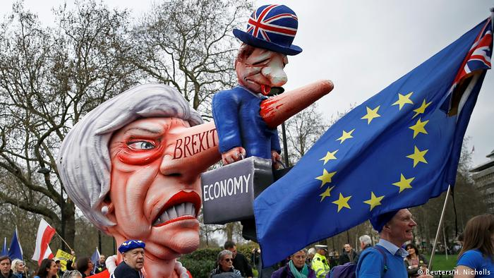 Effigy of Theresa May at a protest march in London (Reuters/H. Nicholls)