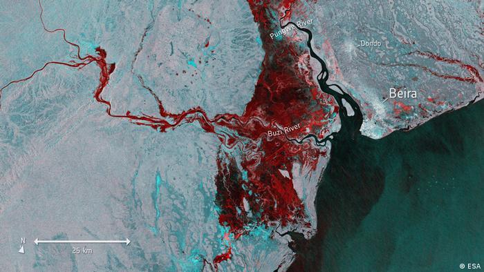 Satellitenbild der Überflutung (rot dargestellt)